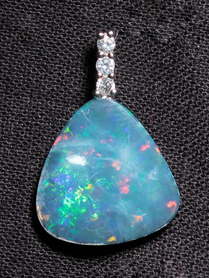cute opal pendant idea