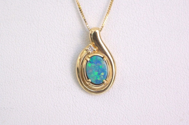 simple opal pendant idea