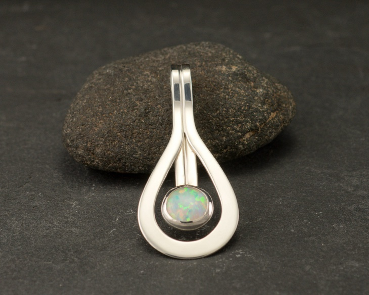 cool opal pendant idea