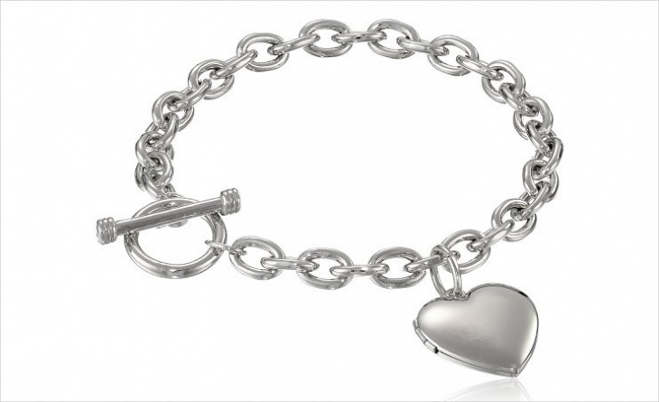 Heart Locket Bracelet Model