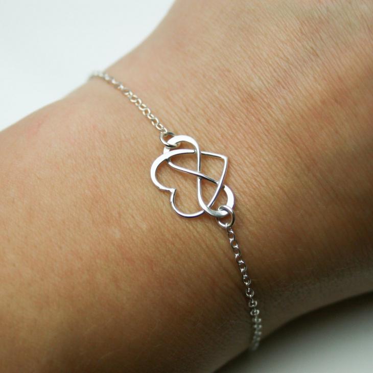 infinity heart bracelet design