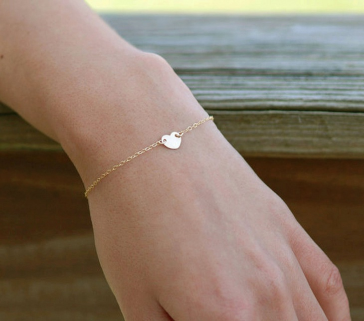 Tiny Heart Bracelet Idea