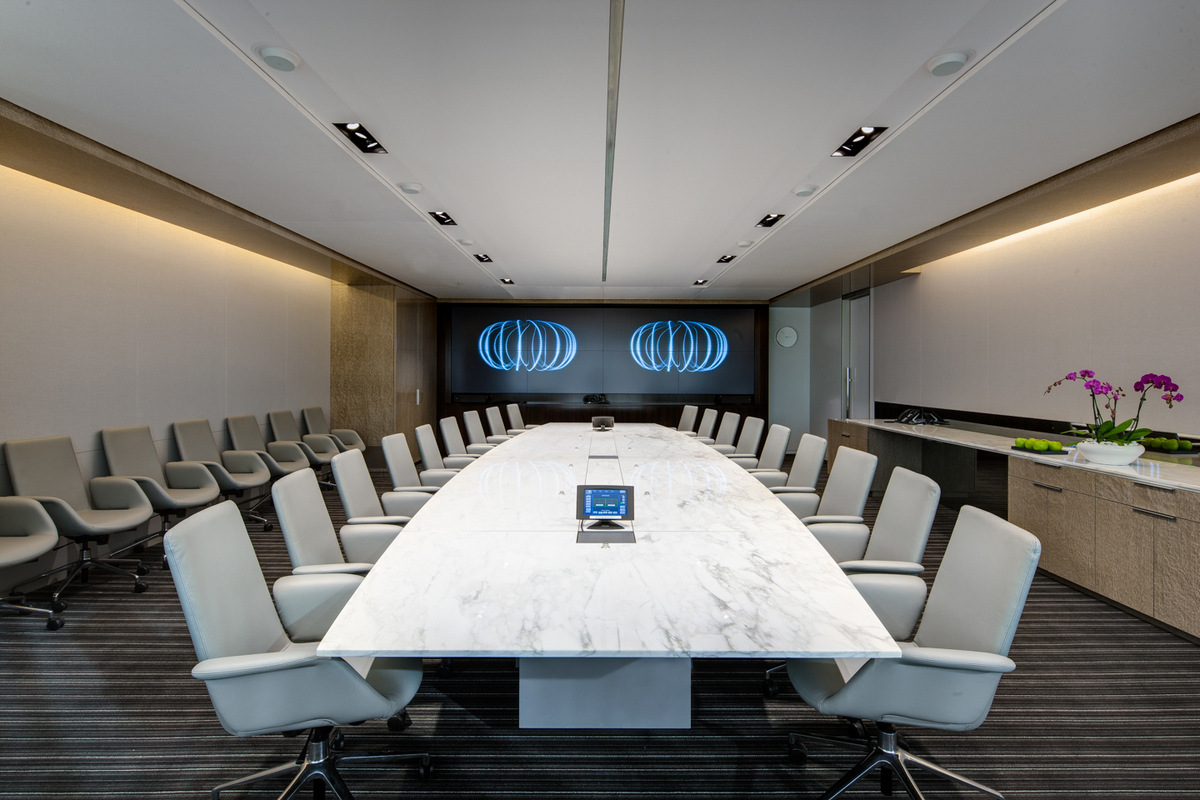 luxury conference room chairs