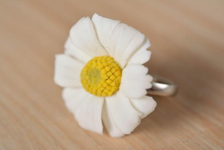 handmade daisy ring
