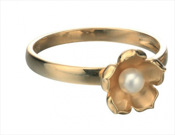 daisy pearl ring design