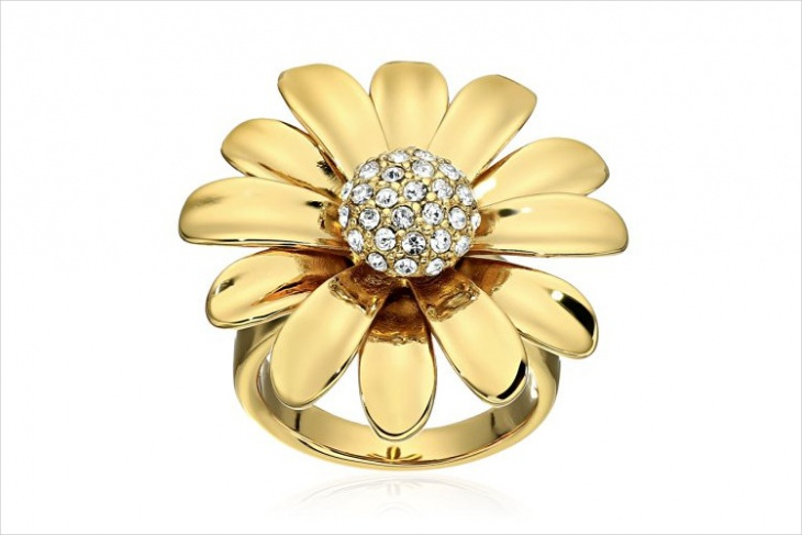 daisy statement ring