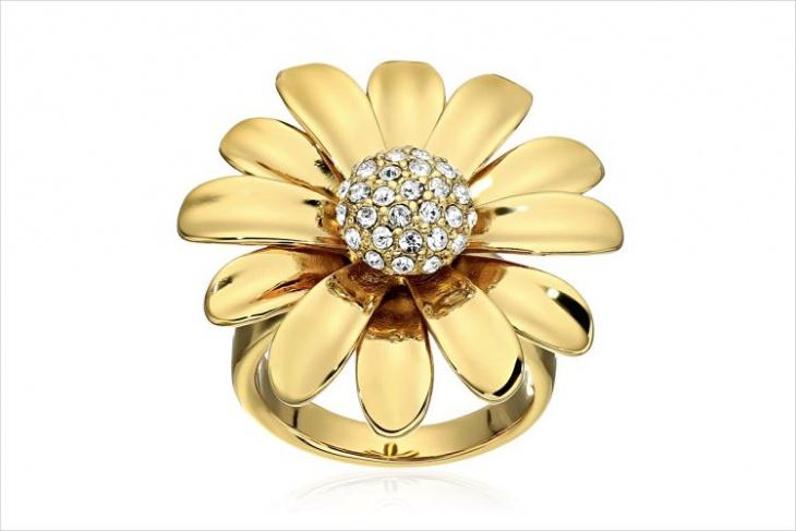 Daisy Statement Ring