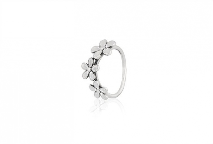 cute daisy ring design