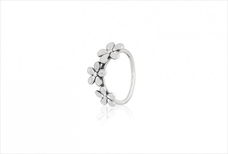 Cute Daisy Ring Design