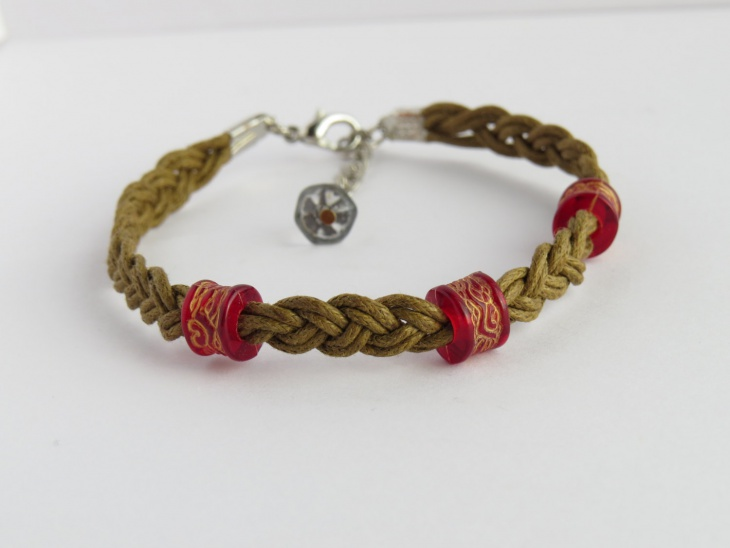 Cute Braided Bracelet Idea