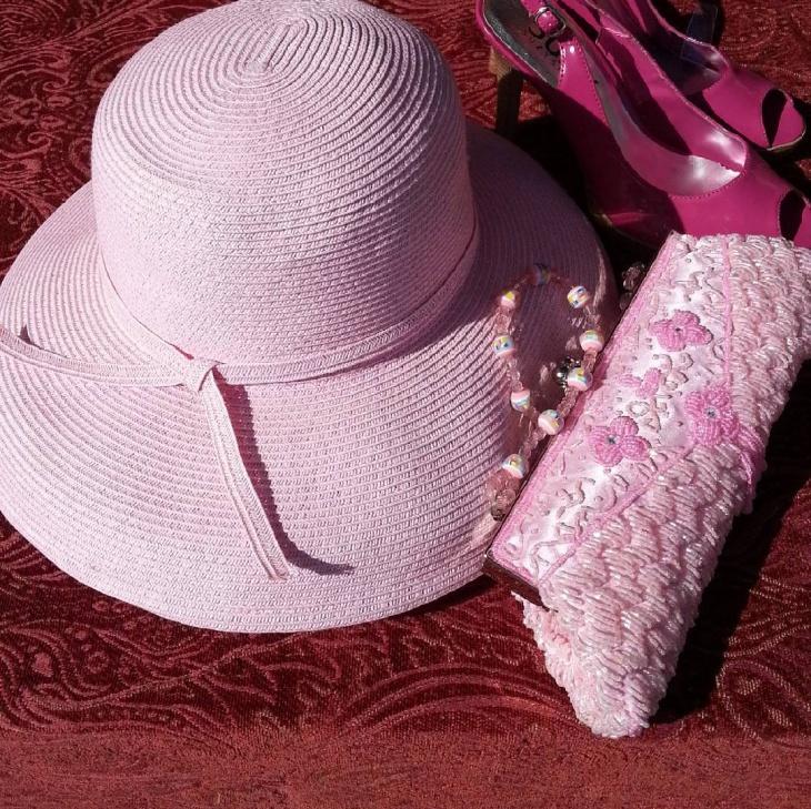 cute pink spring hat idea