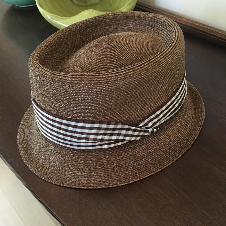 trendy spring hat design