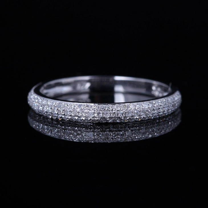 pretty delicate band ring design