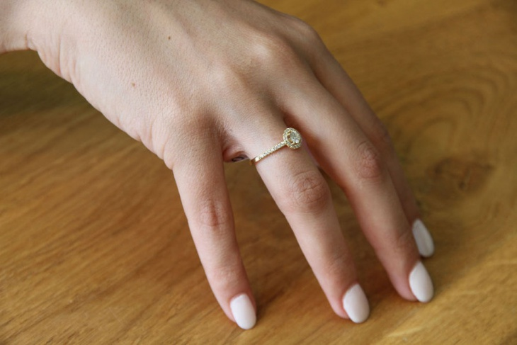 Cute Delicate Engagement Ring