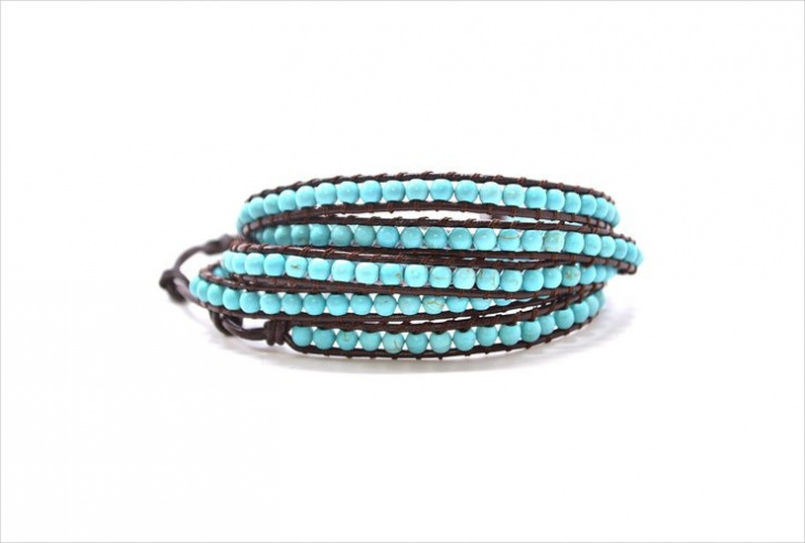 blue beaded bracelet idea