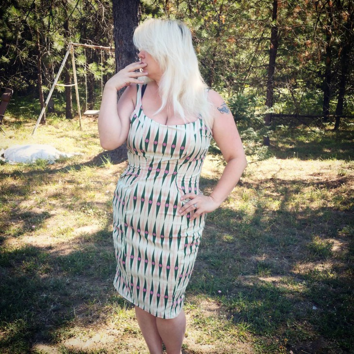 pinup wiggle dress design