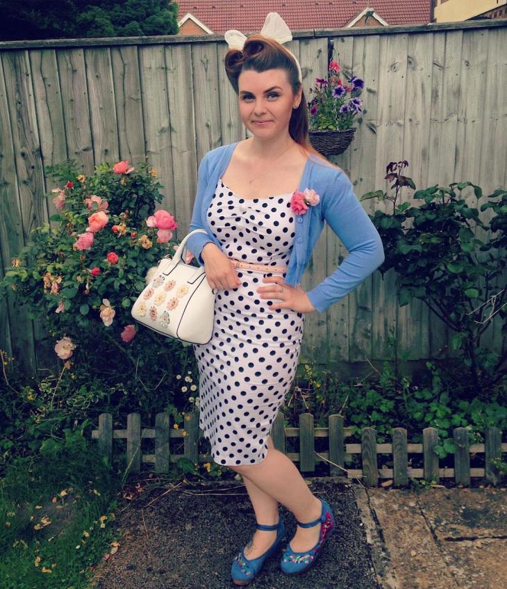 pretty wiggle dress design