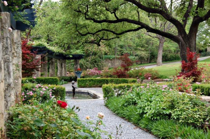 Landscape Garden Statue Design