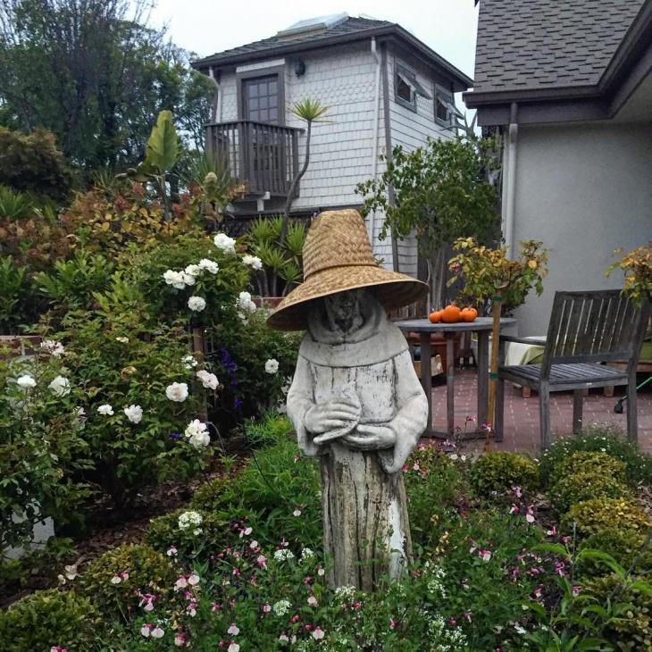 Floral Garden Statue Design