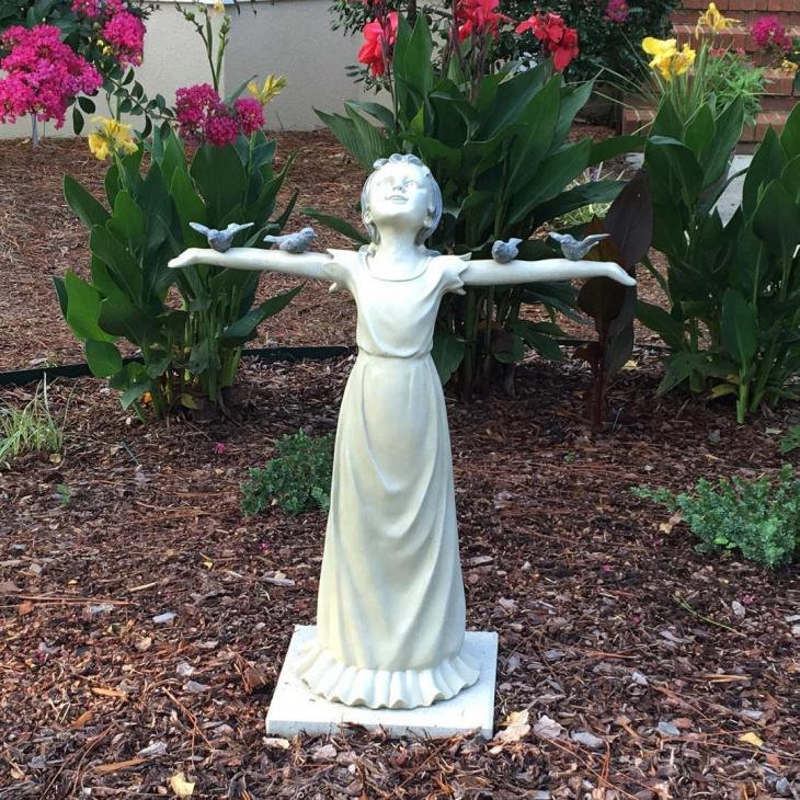 Garden White Statue Design