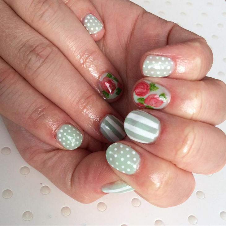 flower striped nail art
