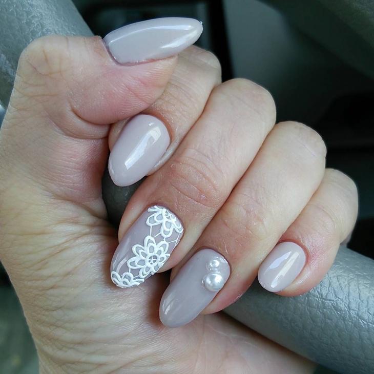 simple flower nail design idea