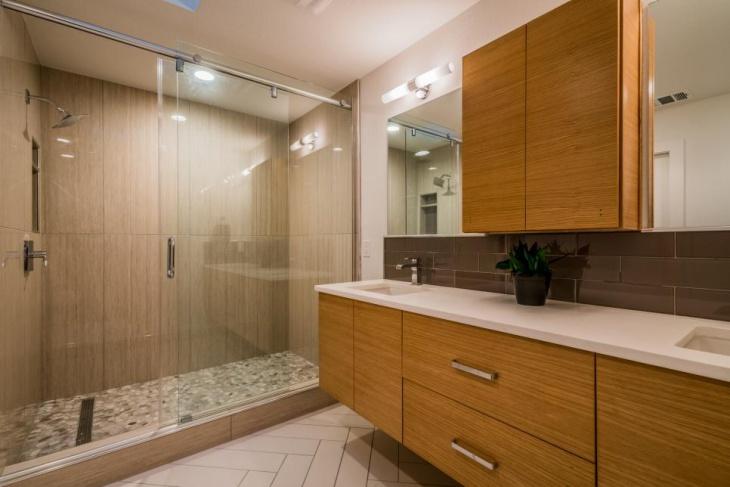 Modern Bathroom Backsplash Idea