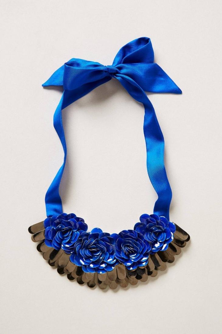 rose bib necklace
