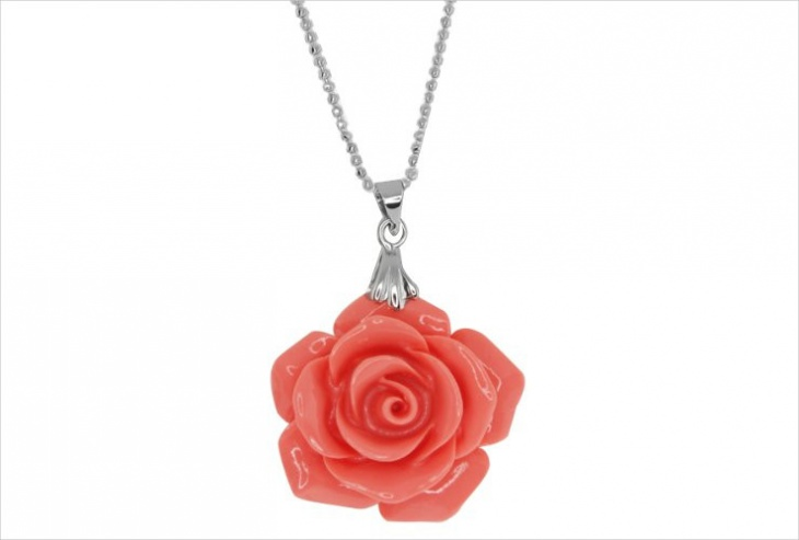 coral rose necklace design