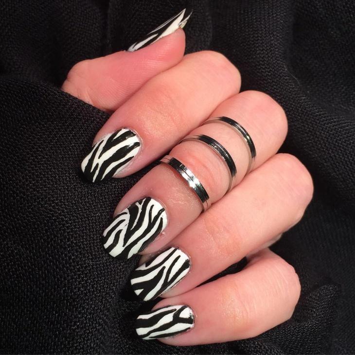 black and white zebra nails