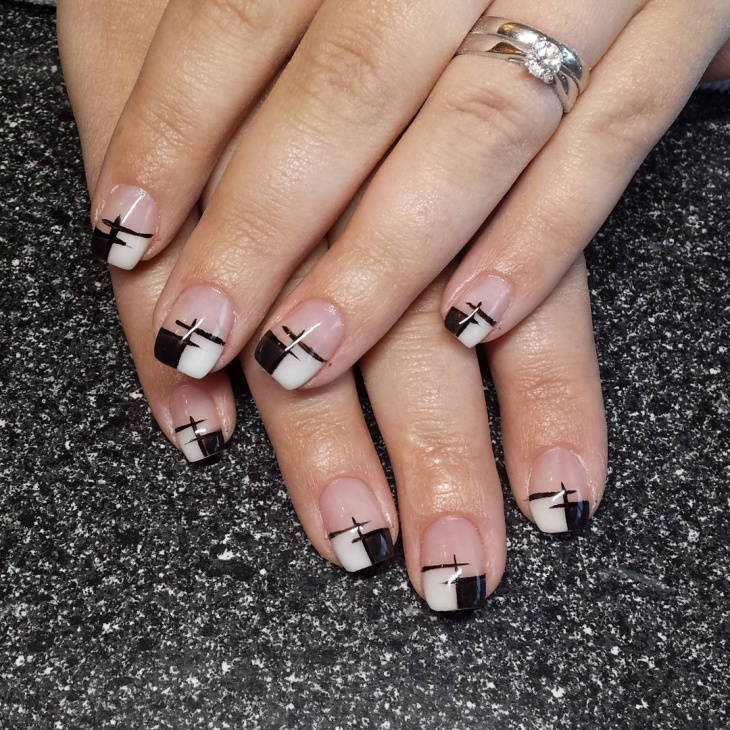 hand painted black and white nails