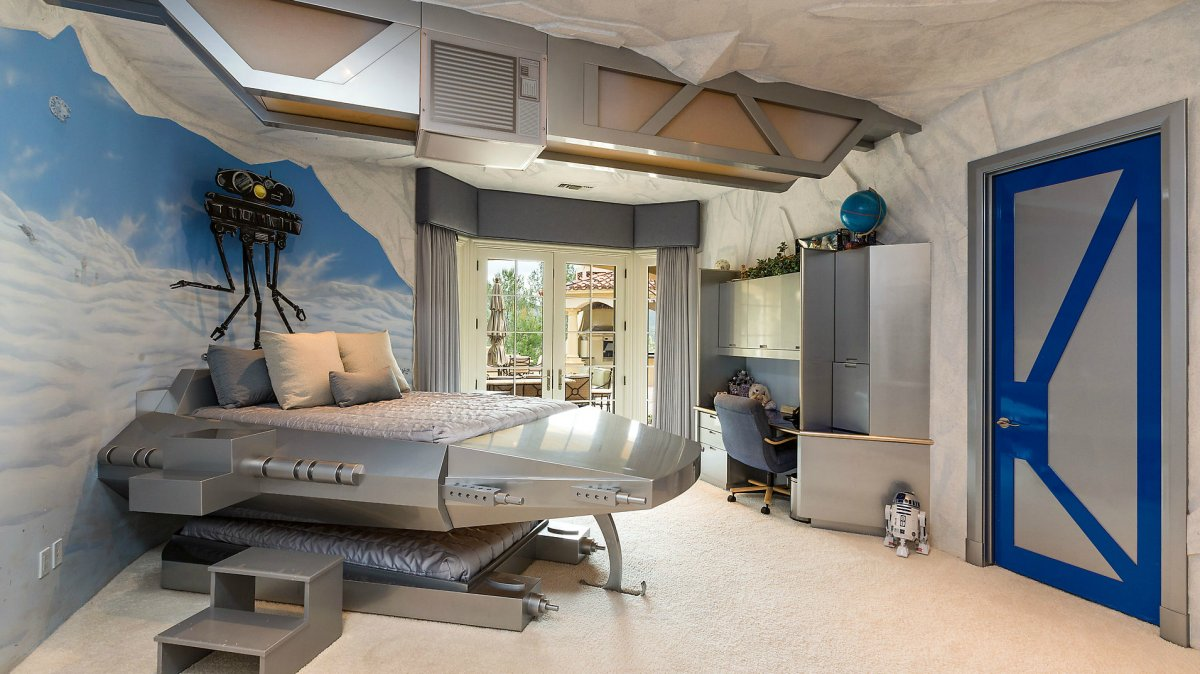 small star wars bedroom