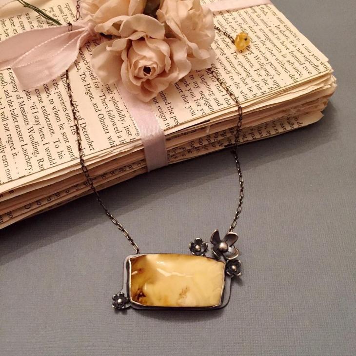 metal amber pendant
