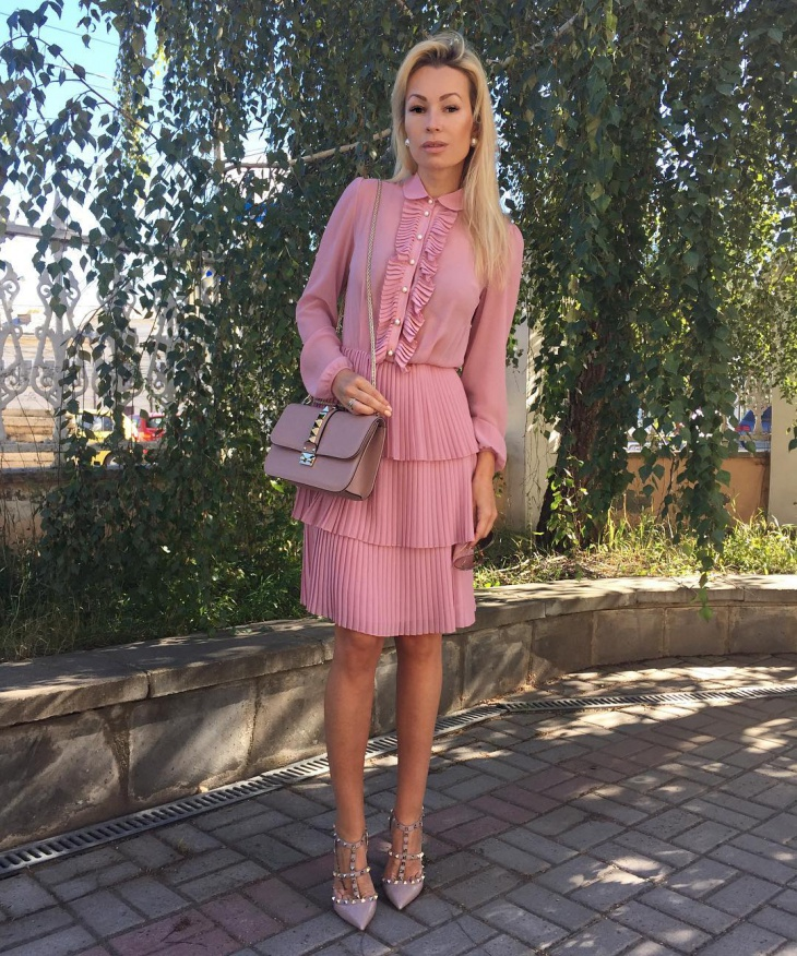 trendy pleated dress idea
