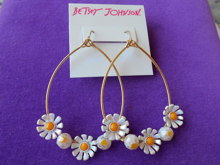Daisy Hoop Earrings Design