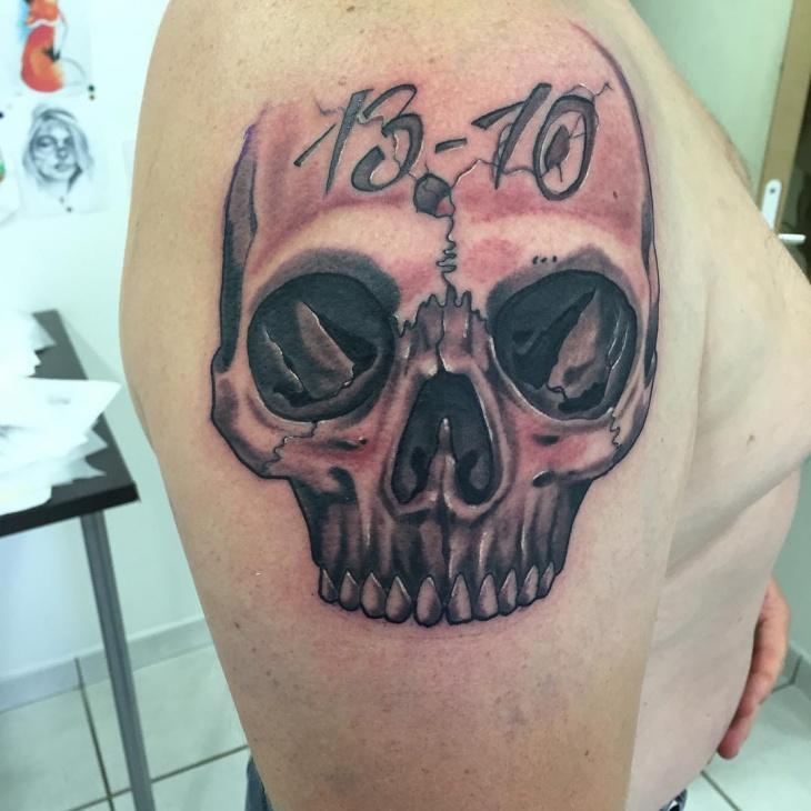 skull shoulder tattoo design