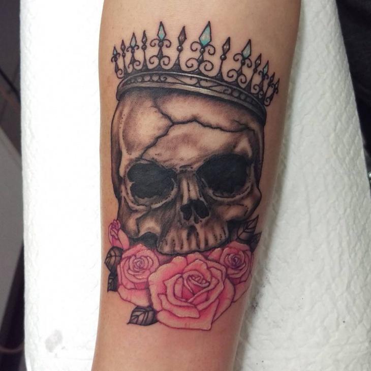 queen skull tattoo idea