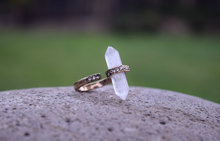 quartz crystal ring