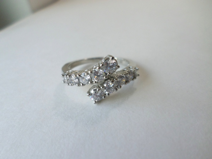 vintage crystal ring design