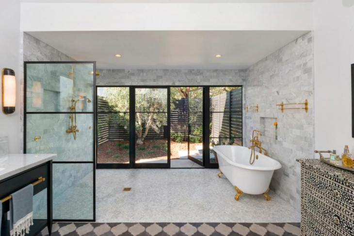 Spacious Shower Room Idea