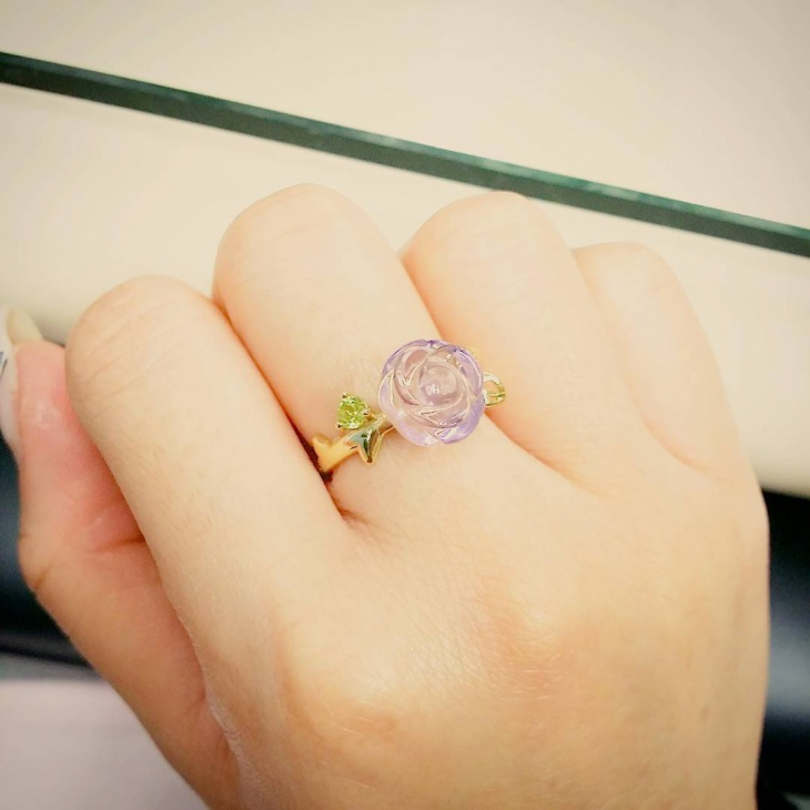 cute crystal ring idea