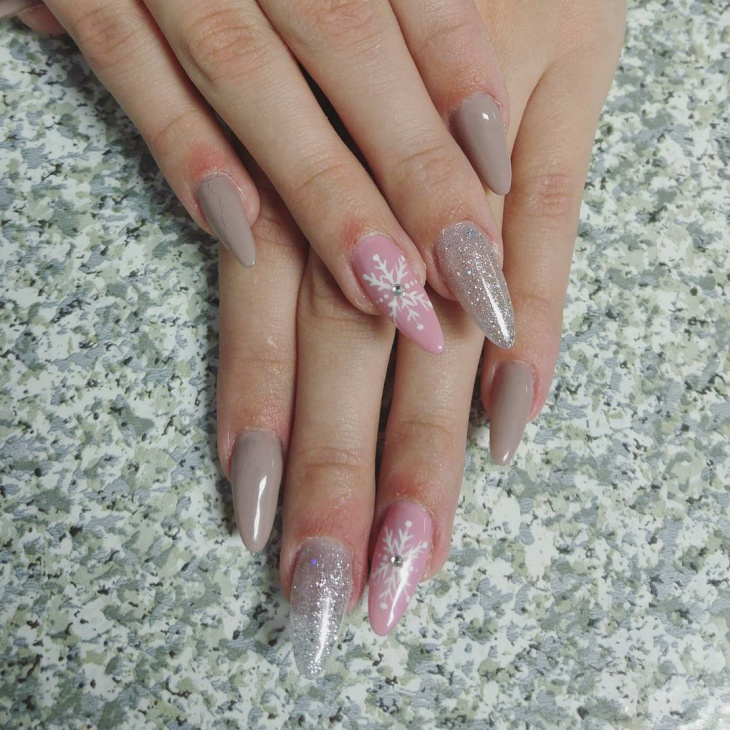 pointed oval nail design