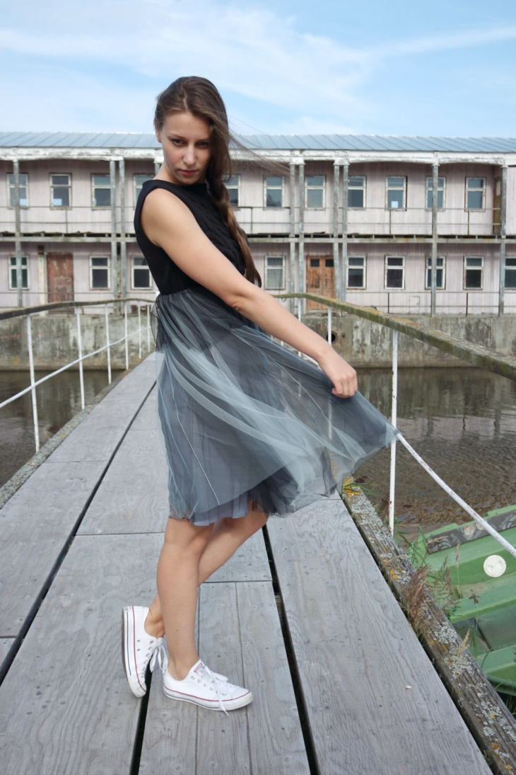 grey tulle dress design