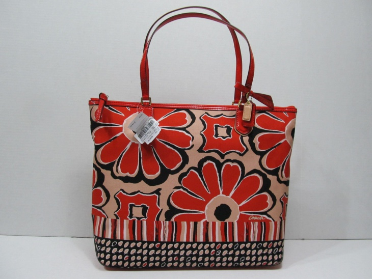 Poppy Floral Tote Bag Design