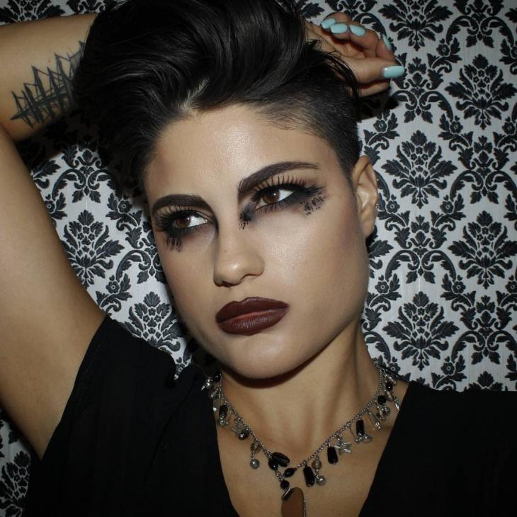 grunge brown eyes makeup