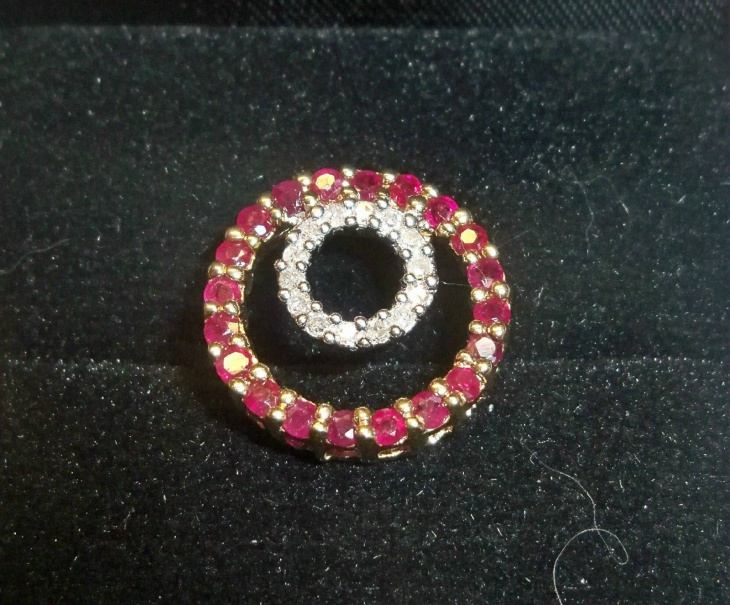 awesome ruby pendant design