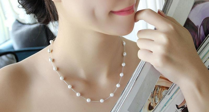 https://images.designtrends.com/wp-content/uploads/2016/09/28174545/pearl-necklace.jpg