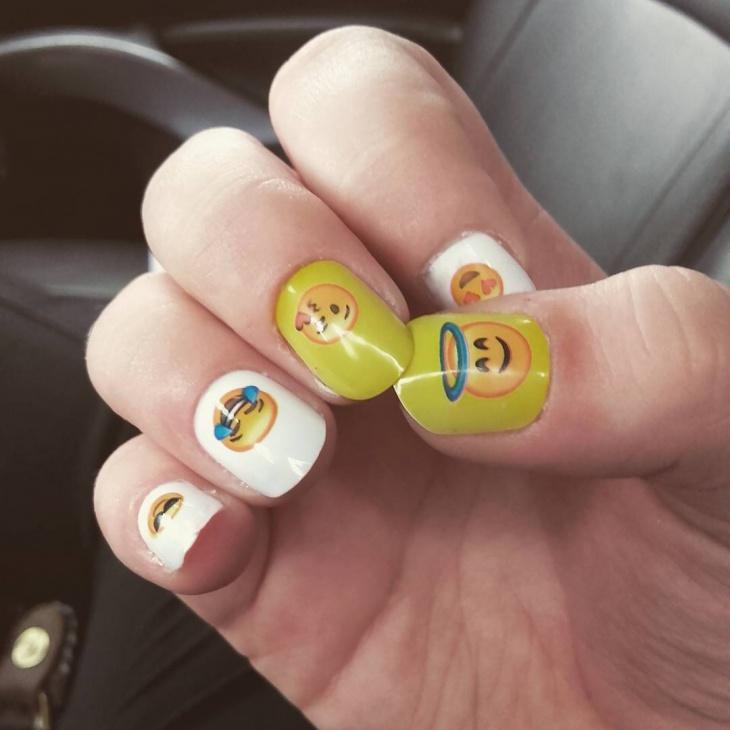 simple emoji nail art