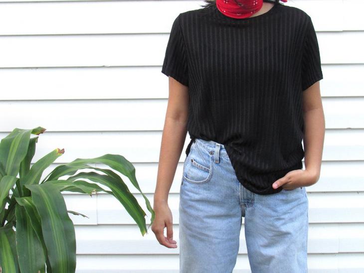 vertical striped t shirt