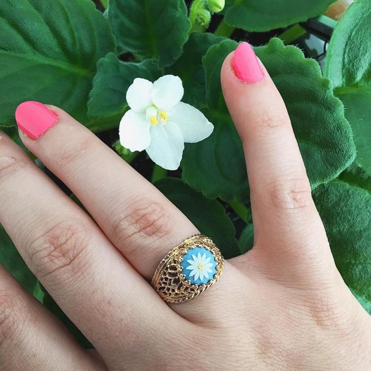 gold daisy ring